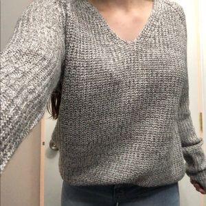3/$20💞 Beautiful grey knit sweater